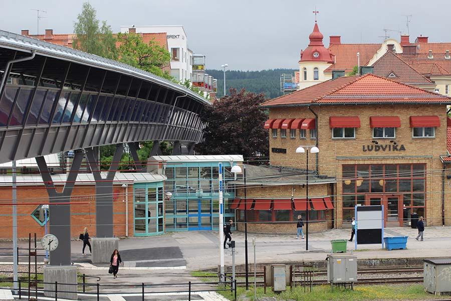Bro o järnvägsstation